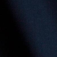 ブラックの生地。厚みもあり、肌触りも非常に良い。黒シャツをお求めの方はこちら。