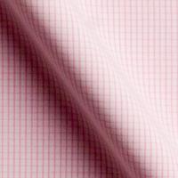 白をベースに、ピンクのチェック柄の生地。暖かく明るい印象を与えます。生地の厚みもある程度あるので、透けにくく着心地は良い。