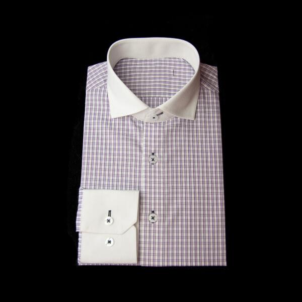 紫格子チェックのクレリックワイシャツ。ネイビー糸がアクセントを魅せるワイシャツ
