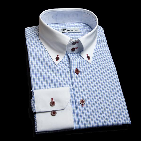 明るめブルーチェックのボタンダウンシャツ