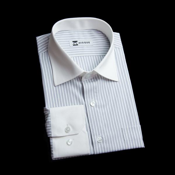 グレー系ストライプのクレリックシャツ