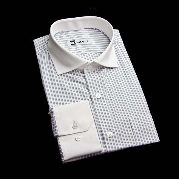 グレーのダブルストライプクレリックシャツ