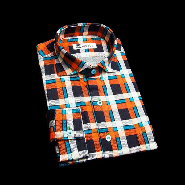 オーバーチェックのカジュアルシャツ