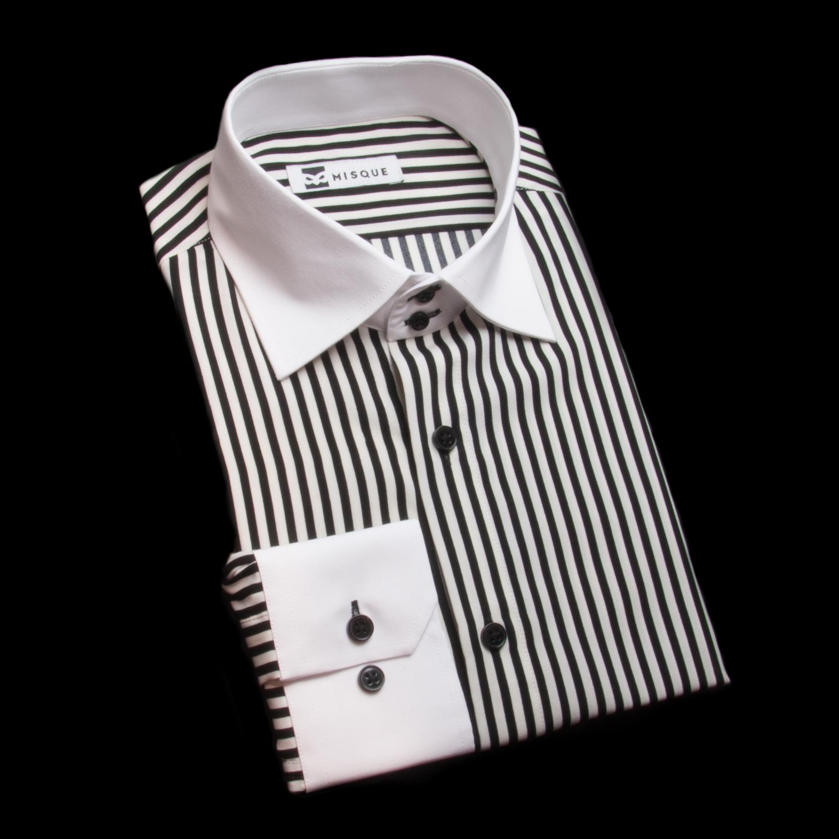 ブラックストライプのクレリックシャツ