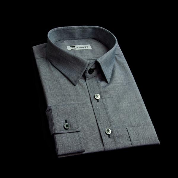 柔らかい素材の黒生地でフォーマルシャツを