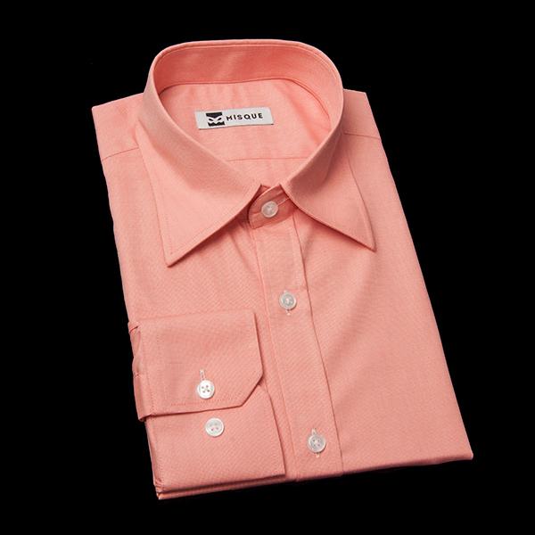 オレンジ/ピンクの無地柄 レギュラーカラー レギュラー 角落ち(カットオフ)のワイシャツ