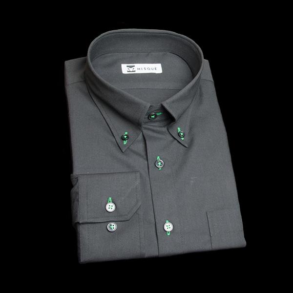 ブラックのボタンダウンシャツ