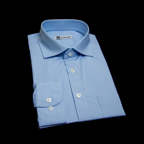 明るめブルーチェックのワイドカラーシャツ