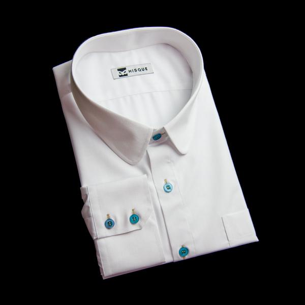 ビジネスシャツも襟デザインとボタンカラーでオリジナリティを!!